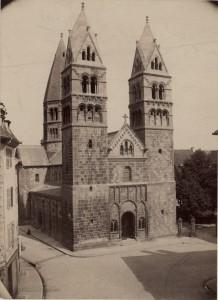 Vue de l'église Sainte-Foy à Sélestat après la restauration de Ch. Winkler. S.n., 1892 (Denkmalarchiv, DRAC Alsace)