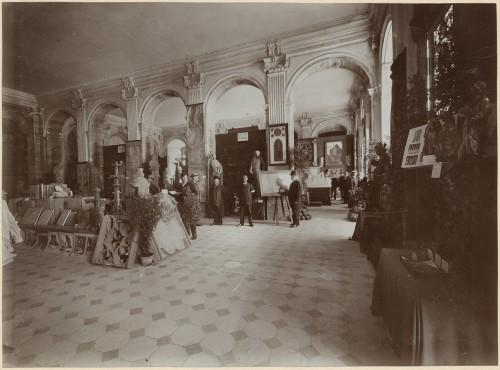 Exposition de 1905, salle consacrée à la cathédrale Notre-Dame de Strasbourg (Denkmalarchiv, DRAC Alsace)