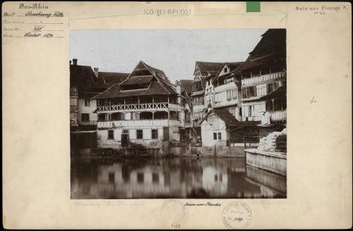 La maison des Tanneurs au 42, rue du Bain-aux-Plantes à Strasbourg. Auteur : Charles Winkler, 1870 (Denkmalarchiv, DRAC Alsace)