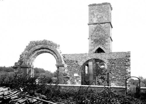 Vue des ruines de l'église de Leimbach. Auteur : Louis Emmanuel Mas, s.d. (Médiathèque de l'architecture et du patrimoine)
