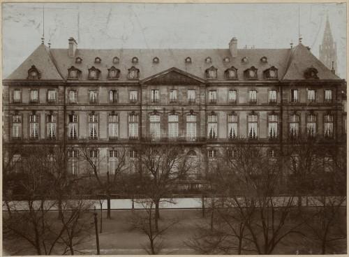 Façade de l'hôtel de Hanau-Lichtenberg, actuel hôtel de Ville de Strasbourg. Auteur : Jules Manias, 1913 (Denkmalarchiv, DRAC Alsace)