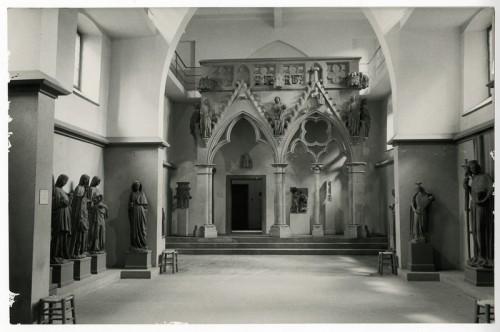Aménagement de la salle du jubé dans les dépendances du Hirschhof, années 1930 (Musées de la Ville de Strasbourg)